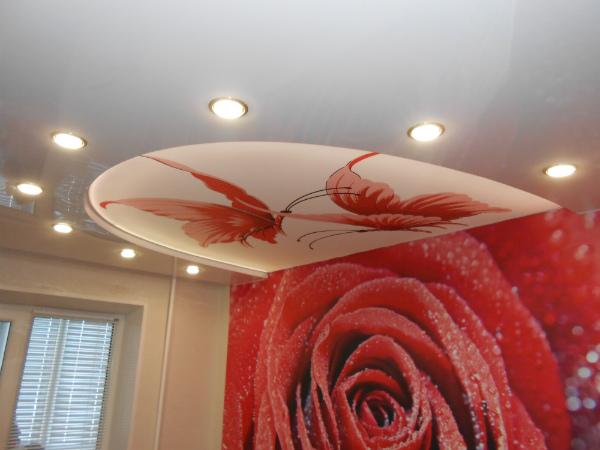 Оригинальный натяжной потолок