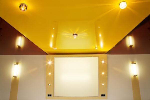 Оригинальный глянцевый потолок